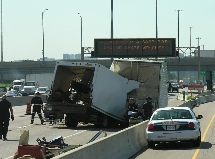 cube-van-crash-on-highway